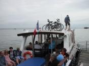 Fietsen op de boot in Archacon